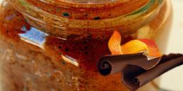Bautura racoritoare raw cu ciocolata, portocala si nuca de cocos