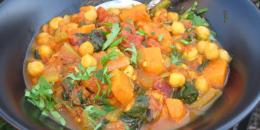 Curry cu cartofi dulci, naut si spanac