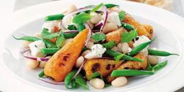 Salata cu morcovi copti, fasole si branza feta